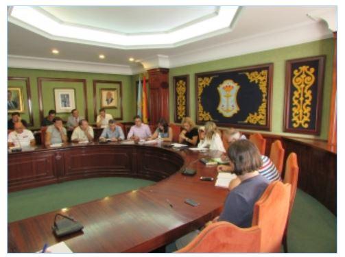 reunion alcaldesa y empresarios nerja