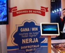 En el Stand de Nerja nuestra Asociación ha iniciado en Fitur una campaña de incentivación del Turismo para nuestra localidad. Con tables se están realizando encuestas y sorteo de Noches...